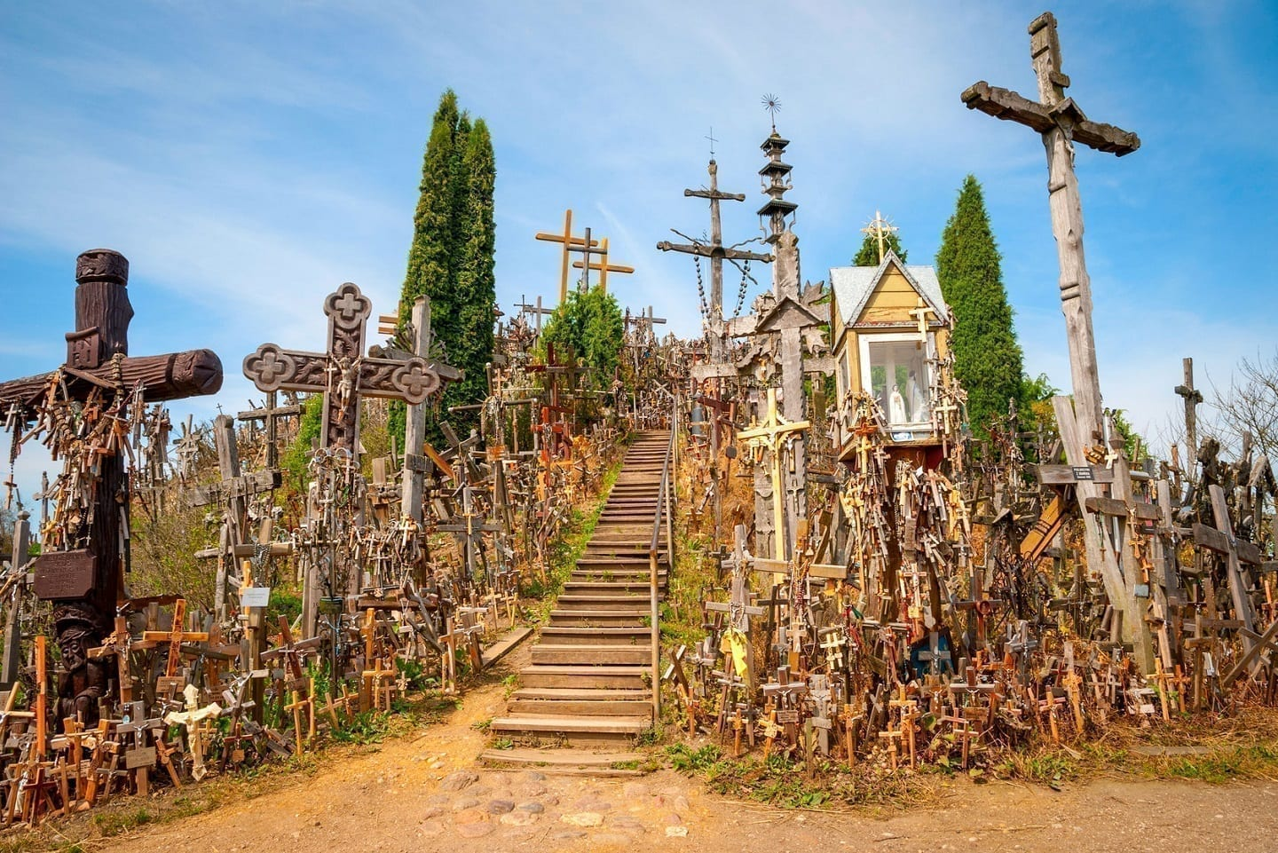 Day Trip to Rundale Palace and Hill of Crosses