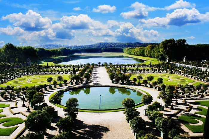 Exclusive Tour-Gardens Of the France from Paris